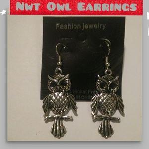 Silver OWL Earrings NWT💗
